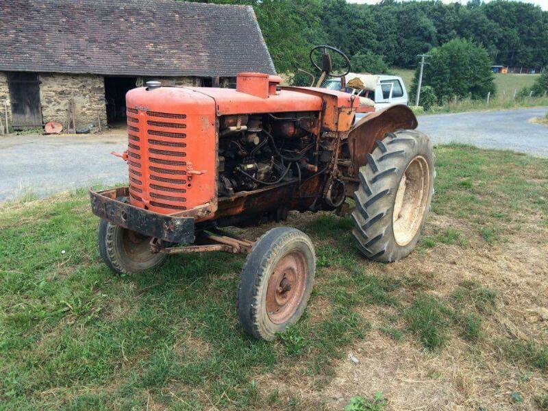 tracteur agricole renault renault collection vendre sur marsaleix. Black Bedroom Furniture Sets. Home Design Ideas