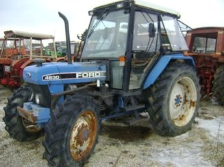Tracteur agricole Ford 4830 - 1