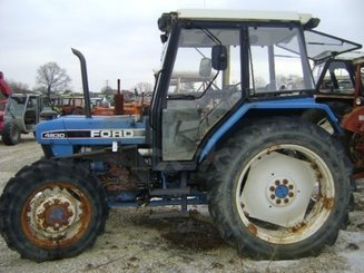 Tracteur agricole Ford 4830 - 3