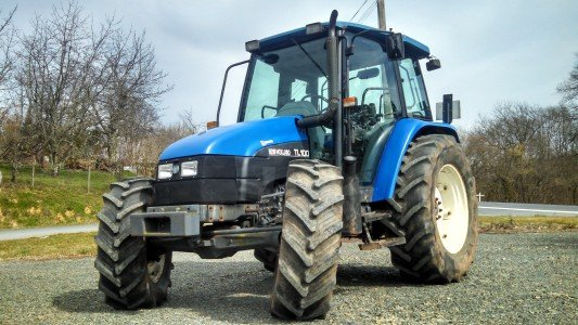 Tracteur agricole New Holland TL 100 - 1
